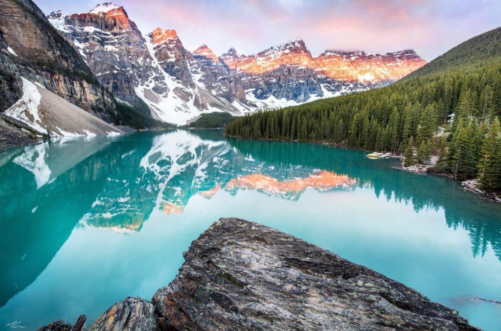 Lago Moraine - Alberta, Canadá.