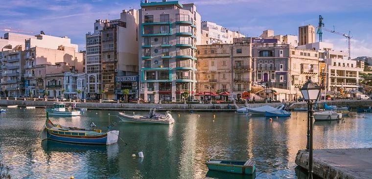 st-julians-melhores-cidades-em-malta-para-intercambio